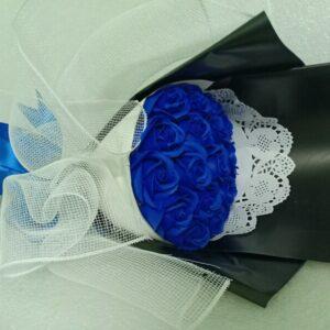 Hoa hồng sáp thơm 19 bông màu xanh